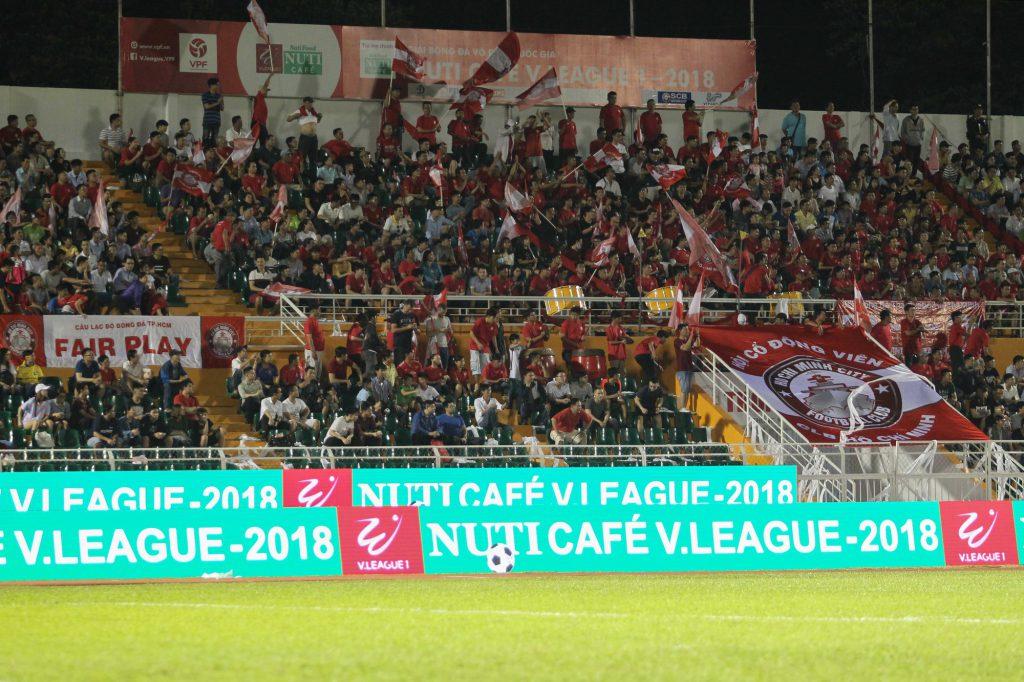 Sân vận động là nơi quảng cáo hữu hiệu với bất kỳ thương hiệu nào.